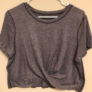 Crop lululemon shirt